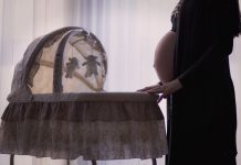 האם לקנות עריסה לתינוק?